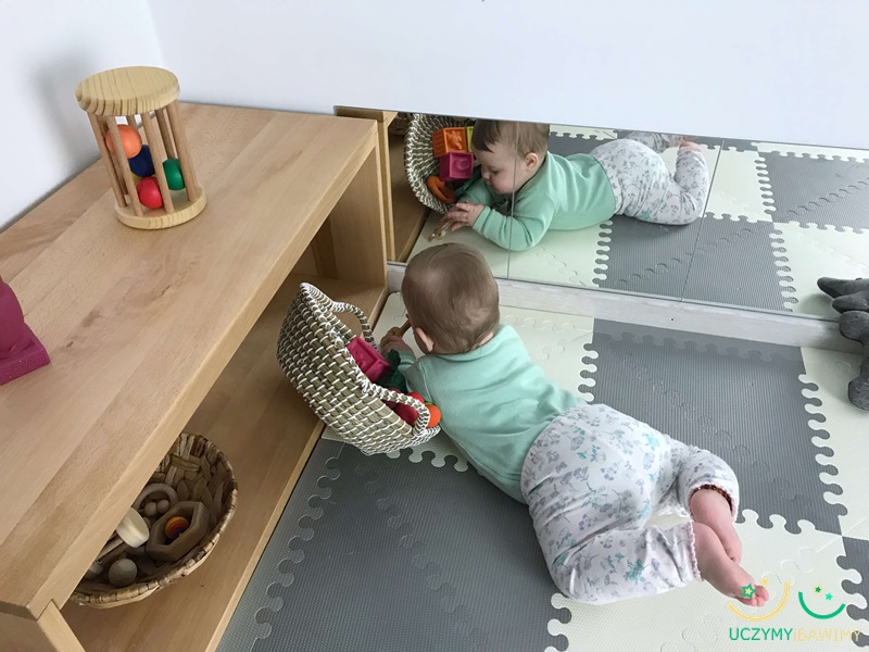 polki-montessori-niemowle.JPG